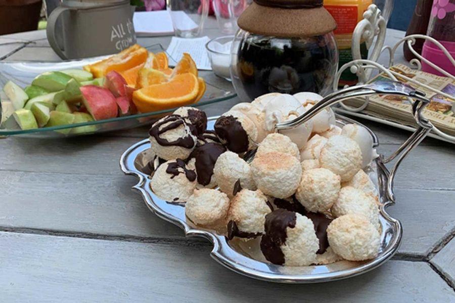 Homemade Macaroons in Israel